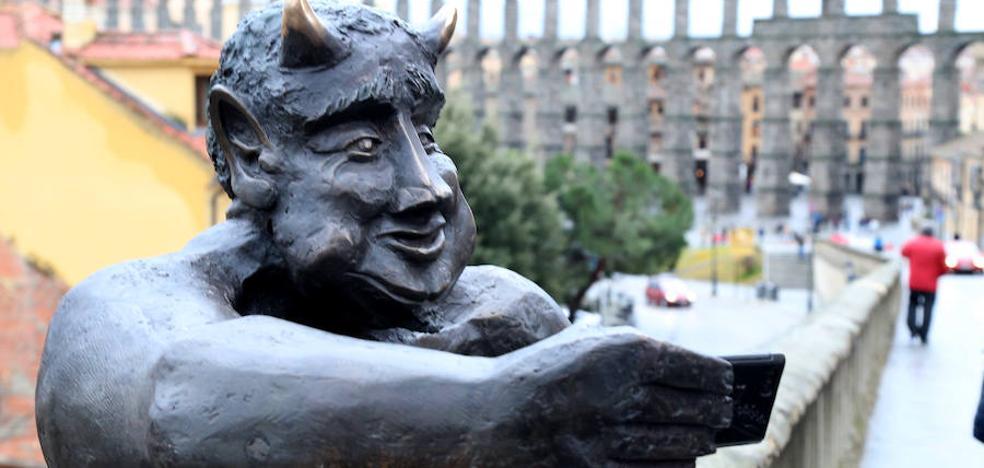 Envíanos tu 'selfie' con el diablillo de Segovia