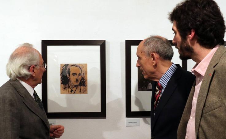 La Casa Revilla acoge la exposición 'Leopoldo de Luis. El poeta Herido'