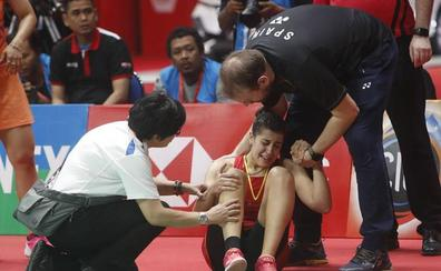 Carolina Marín se retira de la final por una lesión de rodilla