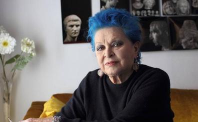 Lucía Bosé cumple 88 años con su hijo Miguel