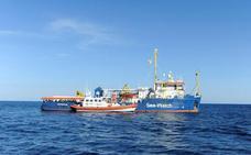 Desembarcan en Sicilia 47 inmigrantes doce días después de su rescate