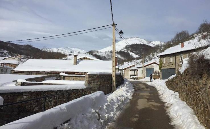 Hielo y nieve en La Pernía