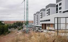 El alcalde garantiza el acceso al nuevo hospital en cuanto la Junta finalice las obras
