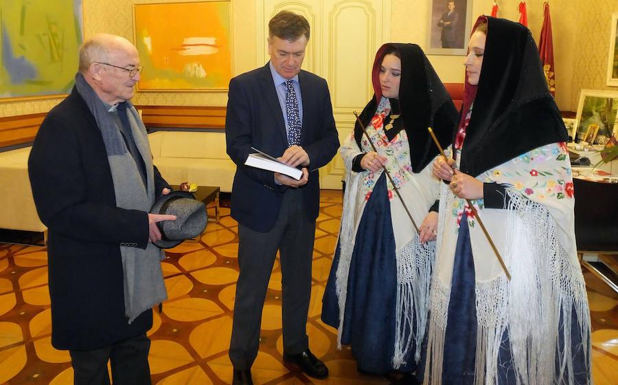 Las alcaldesas de Zamarramala visitan las instituciones segovianas