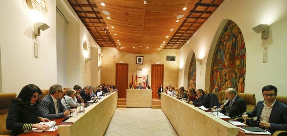 Cs se desmarca del PP y respalda al PSOE frente a los «incumplimientos» de la Junta