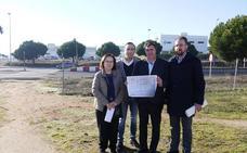 El alcalde de Carbajosa de la Sagrada denuncia el olvido de la pasarela sobre la SA-20