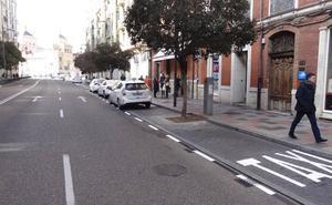 Las nuevas paradas de Miguel Íscar y la plaza de España de Valladolid confunden a taxistas y usuarios
