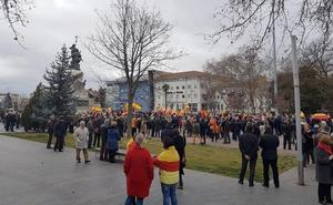 Unas 500 personas se concentran en la Plaza Mayor de Valladolid por la unidad de España