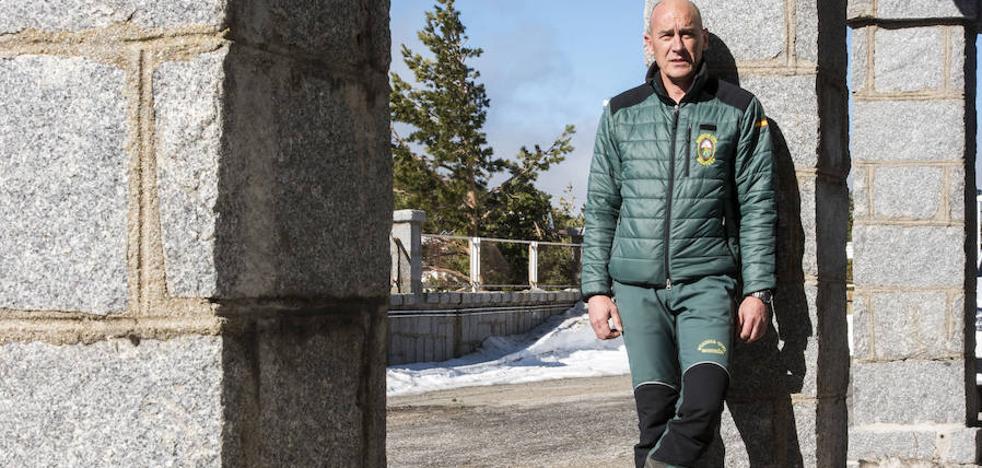 Gabino Holguín, destinado en Navacerrada y rescatador en Totalán: «El compañero salió con el niño Julen en brazos y se hizo el silencio»