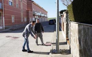 El Ayuntamiento de Carbajosa explica a los vecinos la renovación de las calles de la zona oeste