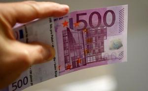 La Policía entrega a un burgalés un billete de 500 euros que encontró hace dos años