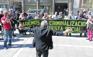 Piden tres años de cárcel para el agente que mintió sobre la carga policial en la convención del PP de 2014 en Valladolid