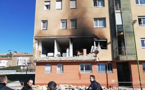 Fallece un joven en la explosión de un piso tutelado en la Barriada San Juan Bautista