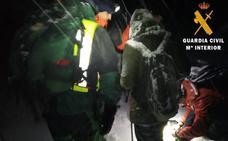 La Guardia Civil auxilia a un niño que sufrió un accidente con un trineo