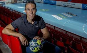 «Queremos que Pisonero siga como entrenador del Recoletas»