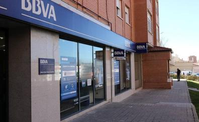 Atraca a punta de pistola la sucursal del BBVA en La Albuera y se lleva 85 euros
