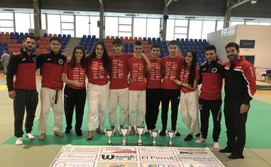 Los judokas salmantinos brillan con Castilla y León en la fase del sector júnior en Valladolid