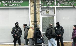 El hijo del dueño del tanatorio El Salvador de Valladolid continuará en la cárcel para no dejar solo a su padre
