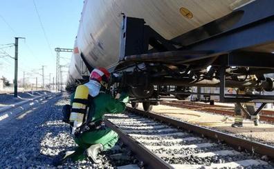 Un tren cargado de amoniaco sufre una fuga a su paso por Valladolid