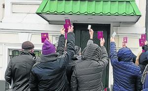 El Consulado deniega el registro a una niña nacida en Kiev de un vientre de alquiler