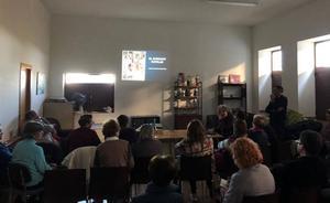 Finaliza el taller de bordado serrano en Mogarraz con las conclusiones del estudio sobre su origen