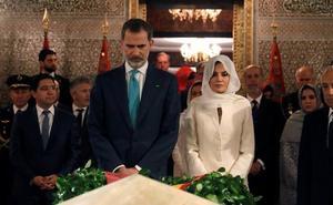 Felipe VI aboga por reforzar la colaboración con Marruecos en materia migratoria