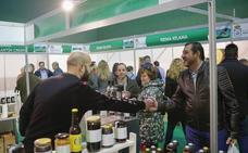 La Feria Apícola de Aldeatejada analizará la situación del sector y mostrará las virtudes de la miel