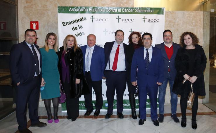 Salamanca muestra su solidaridad en la cena de AECC (I)