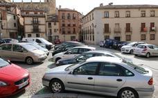 La supresión de 120 aparcamientos junto a iglesias y monumentos vuelve al cajón