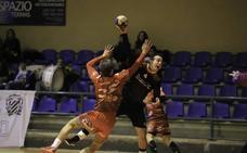 El BM Salamanca vuelve a naufragar ante su público con el BM Sanse (23-25)