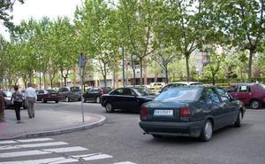 Cortes de tráfico en el Paseo del Cauce de Valladolid por la renovación del alumbrado
