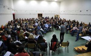 La asamblea de Ganemos saca a la luz su división y deja en el aire su confluencia con Podemos