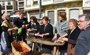 La Fiesta del Mondongo rinde un homenaje a la tradición choricera de Guijuelo