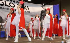 El octavo Festival Solidario de Manos Unidas reúne a cientos de cuellaranos