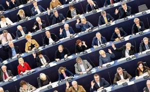 Un sondeo de la Eurocámara avala el 'efecto Vox' y le da seis escaños
