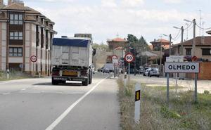 Otros conductores esquivaron antes al peatón que falleció atropellado en Olmedo