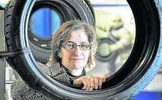 Mari Paz Robina: «Debido a la crisis del diésel, Michelin tiene previsiones de producción más bajas»