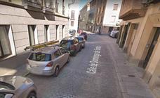 Un conductor se da a la fuga tras una colisión en la calle Domingo de Soto
