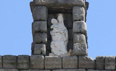 Colocar el andamio en el Acueducto para restaurar la Virgen costará 6.900 euros