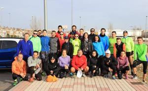 Dori Ruano da sus consejos en el último entrenamiento para preparar la Media Maratón de Salamanca