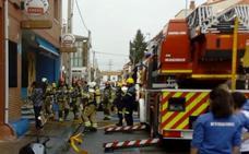 Los bomberos sofocan un incendio en la sidrería El Topín Fartón de Arroyo de la Encomienda