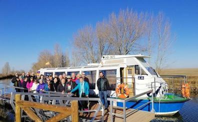 Un paseo en barco para despedir el encuentro internacional de Amigos del Camino de Santiago