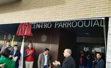 El obispo bendice el nuevo centro parroquial de Peñaranda de Bracamonte