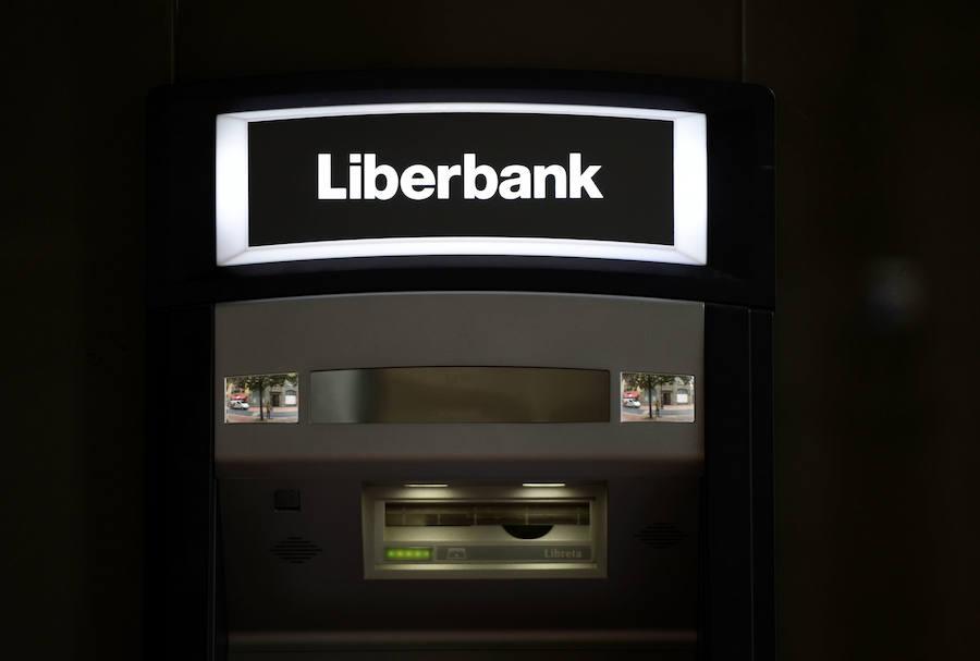 Liberbank obvia a Abanca y mantiene su plan de fusionarse con Unicaja