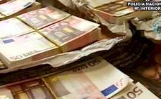 Tres investigados por pagar con billetes falsos de 50 euros en comercios de Mayorga