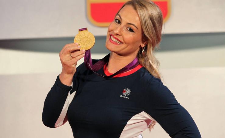 Lydia Valentín recibe su medalla de oro de Londres 2012