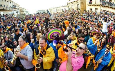 El recuerdo de José Pinto recorre el Campanazo del Carnaval del Toro