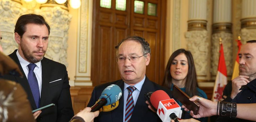 El médico José Antonio Otero se suma en la candidatura de Óscar Puente para Valladolid