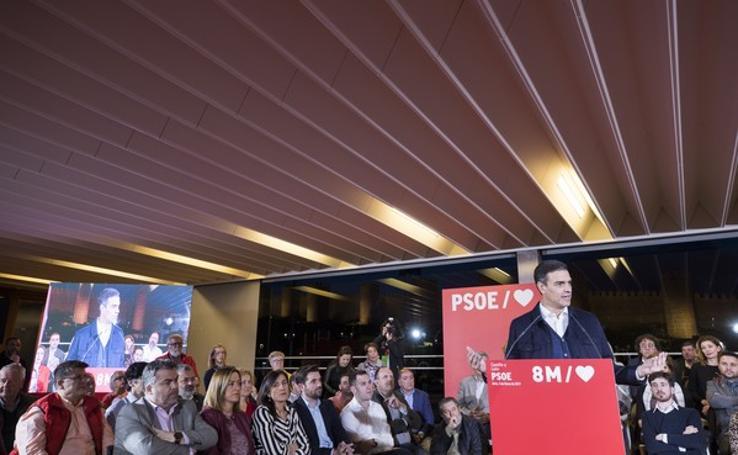 Pedro Sánchez participa en un acto político en Ávila