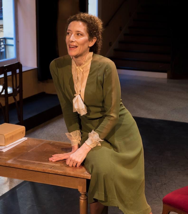 Clara Sanchís pone voz a la lucidez feminista de Virginia Woolf en el Teatro Cervantes